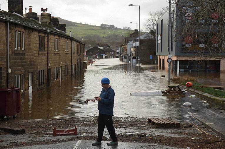 Наводнение в Мифолмройде, Великобритания