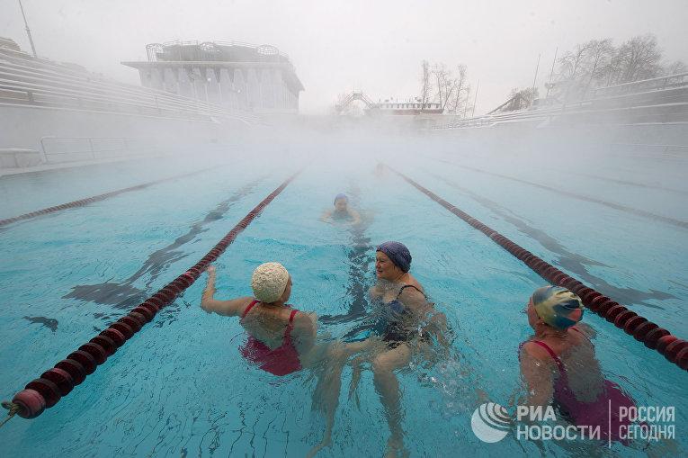 """Открытый бассейн """"Чайка"""" в Москве"""