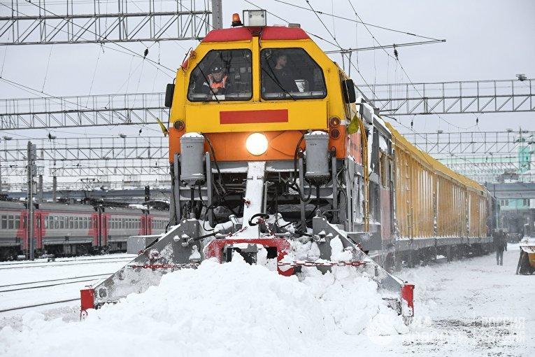 Снегоуборочный поезд СМ-2