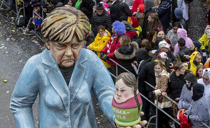Фигура, изображающая канцлера Германии Ангелу Меркель