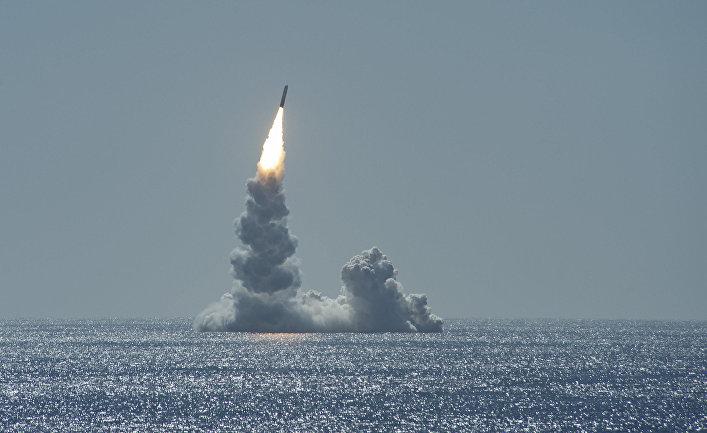 Ракета Trident II, запущенная с подводной лодки USS Maine у побережья Сан-Диего, штат Калифорния