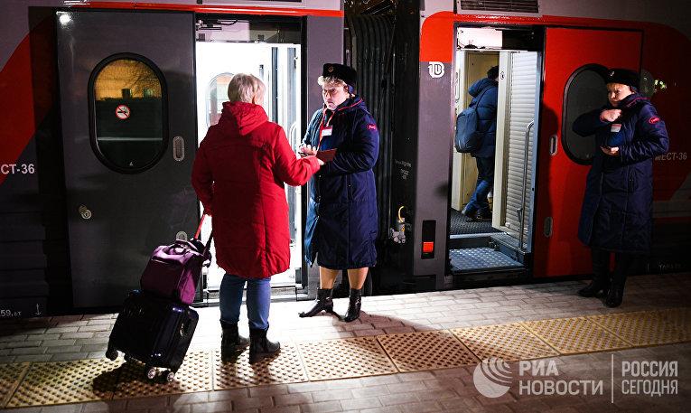 """Первый рейс обновленного поезда №71/72 """"Белогорье"""""""