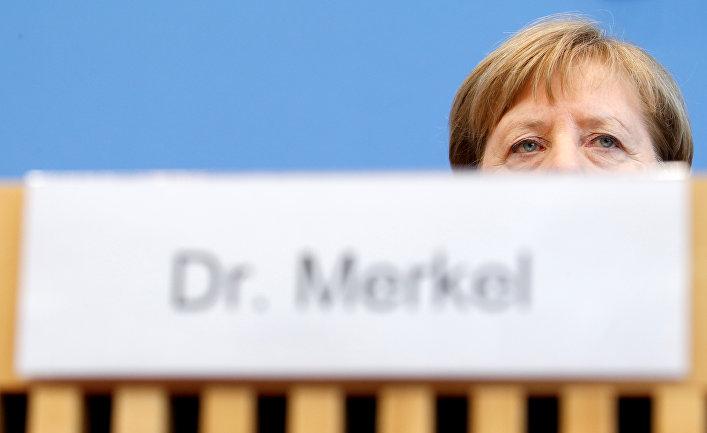 Канцлер Германии Ангела Меркель на пресс-конференции по поводу коронавируса в Берлине, Германия