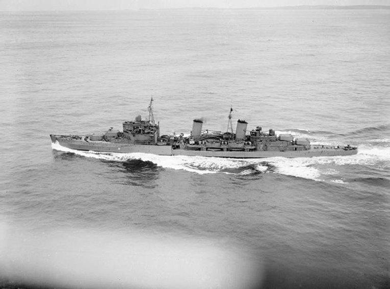 Британский лёгкий крейсер HMS Edinburgh