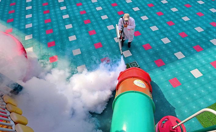 Дезинфекция детской площадки в Ганьчжоу, Китай