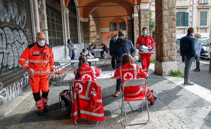 Пункт сдачи крови для больных коронавирусом, Рим, Италия