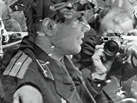 Фотограф снимает Космонавта Юрия Гагарина