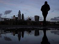 Пешеход в финансовом районе Лондона, Великобритания