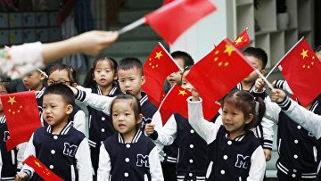 Дети в детском саду в Тунлу, Китай
