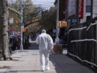 Врач на улице в Нью-Йорке