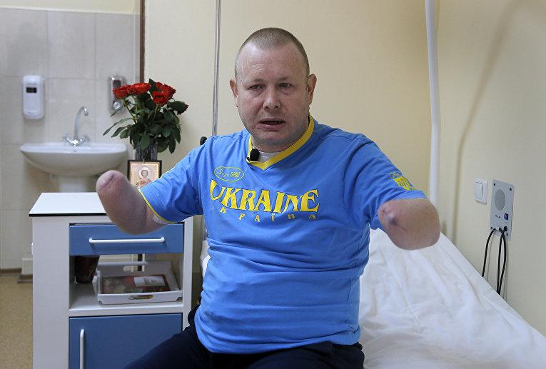 Украинский доброволец Владимир Жемчугов в больнице в Киеве