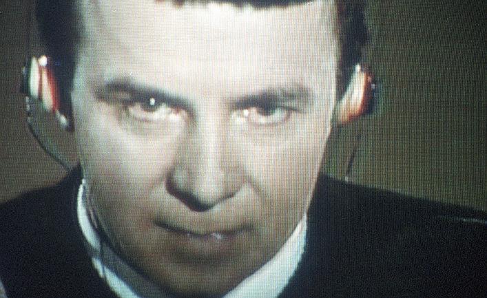 Врач-психотерапевт Анатолий Кашпировский на украинском телевидении