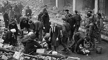 Апрель 1945. Американцы в Оснабрюке освобождают русских, угнанных на принудительные работы в Германию