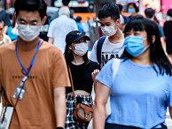 Прохожие в Гонконге