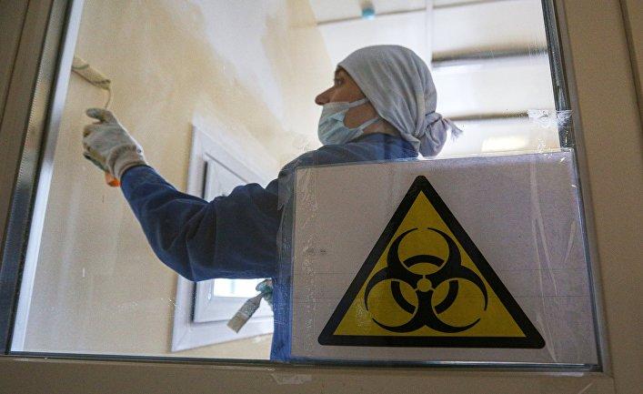 Рабочие делают ремонт помещений под лабораторию