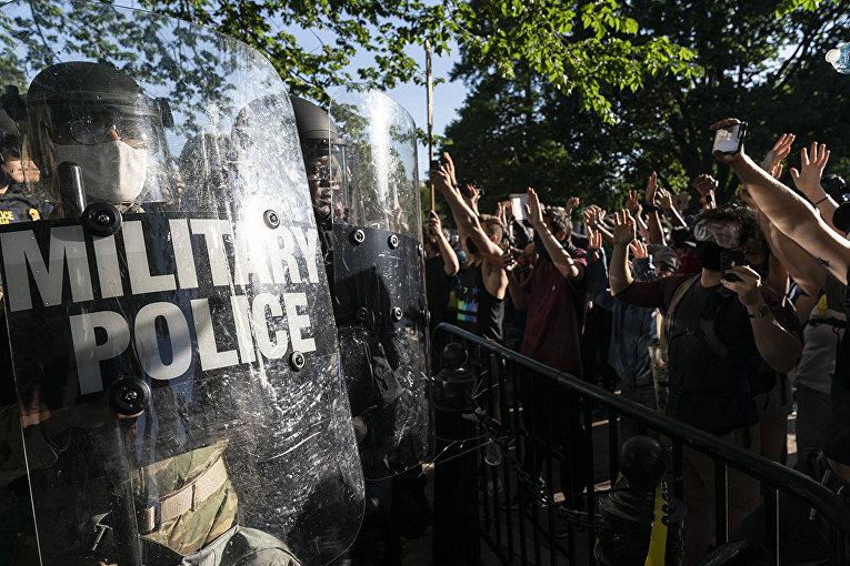 Военная полиция во время акций протеста в Вашингтоне