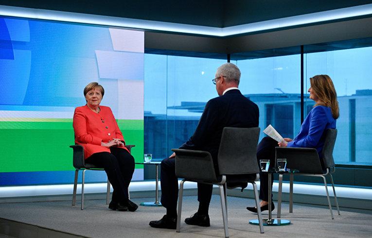 4 июня 2020. Канцлер Германии Ангела Меркель дает интервью ARD