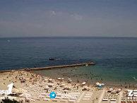 Пляжи Крыма и Одессы: где больше людей