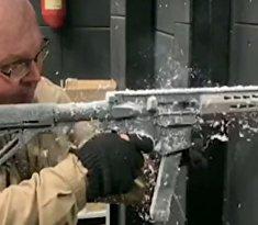 Экстремальная стрельба из украинского пистолета-пулемета