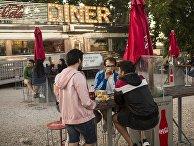 Закусочная в автокинотеатре в Испании