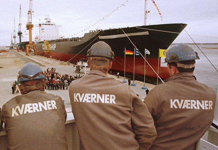 Сотрудники норвежской компании Kværner на верфи в Ростоке, Германия