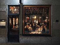 Посетители в ресторане, Стокгольм, Швеция
