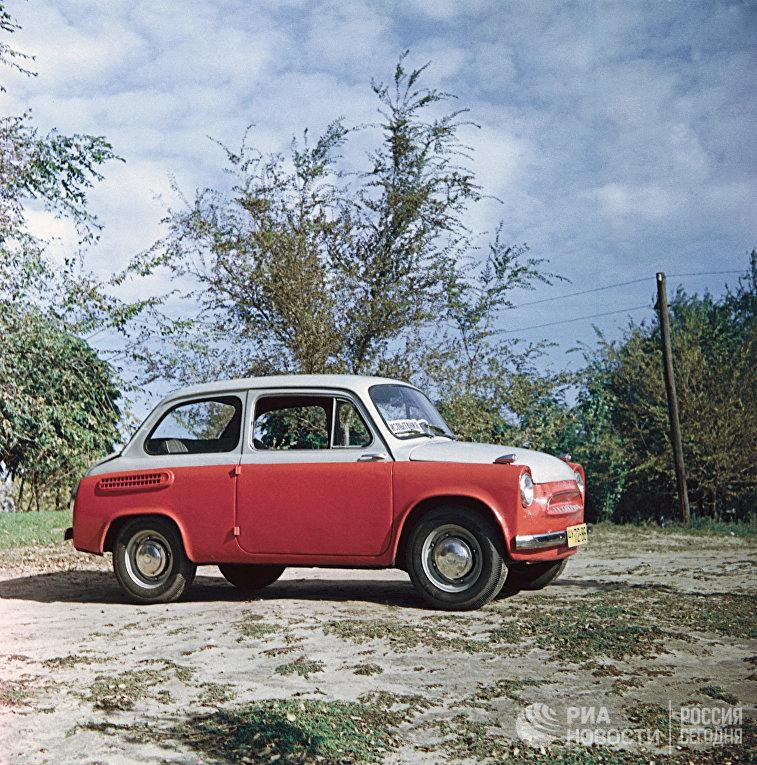 Автомобиль ЗАЗ-965 «Запорожец»