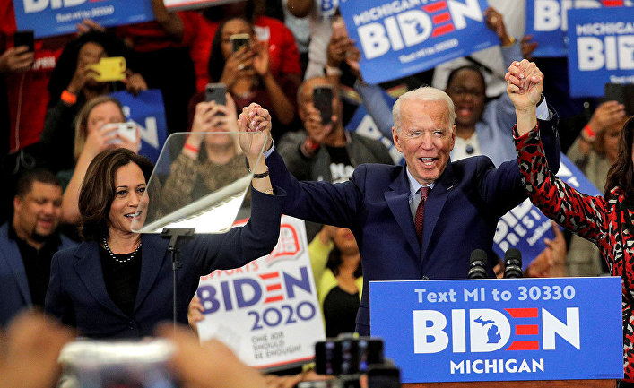 Кандидат в президенты США от Демократической партии и бывший вице-президент Джо Байден и сенатор США Камала Харрис во время предвыборной кампании в Детройте