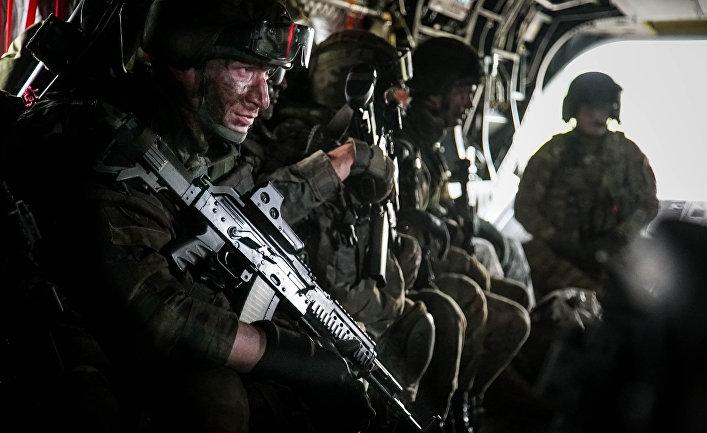 Польские и американские военнослужащие во время учений НАТО Saber Strike 2017 в районе Сувалкского коридора