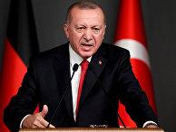 Президент Турции Тайип Эрдоган выступает в Стамбуле