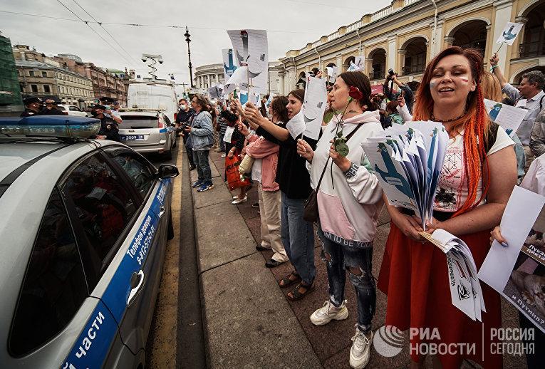 Акция солидарности с жителями Белоруссии прошла в Санкт-Петербурге