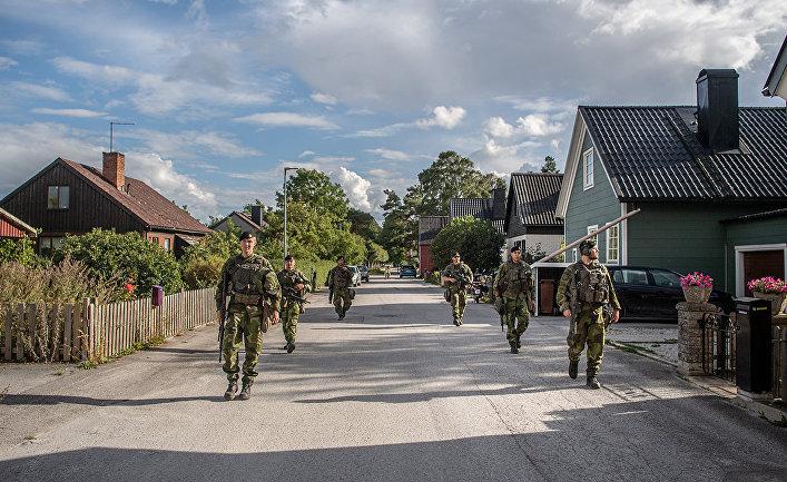 Сухопутные войска Швеции патрулируют остров Готланд