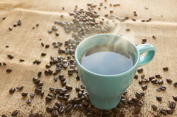 Пить кофе до 9:30 утра