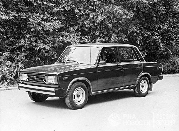 "Автомобиль ""Жигули ВАЗ-2105"""