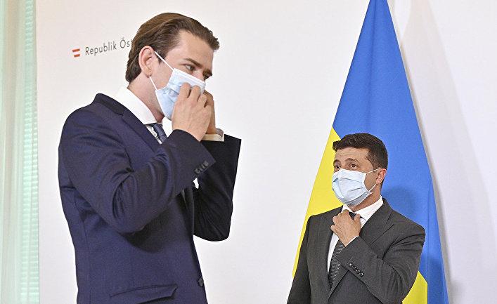 Канцлер Австрии Себастьян Курц и президент Украины Владимир Зеленский во время встречи в Вене