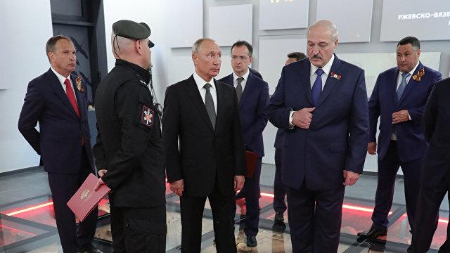Блогер Мартынова: Беларусь не будут захватывать, как Крым. У нас будет латентная аннексия, которая пройдет без сучка и задоринки (Гордон, Украина)