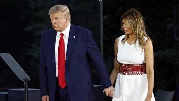 Президент США Дональд Трамп с супругой Меланьей