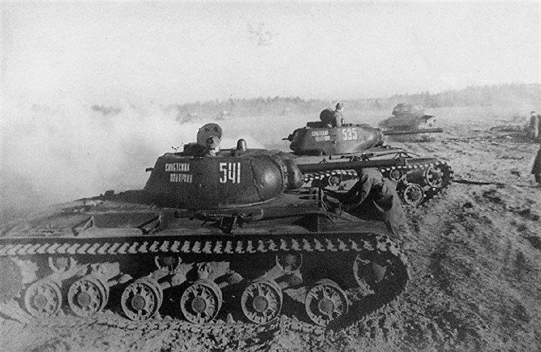 Колонна танков КВ-1