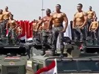 Экстравагантный полицейский парад в Египте