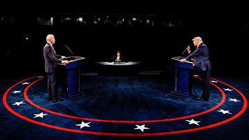 Джо Байден и Дональд Трамп во время дебатов в Нэшвилле
