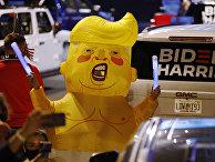 Участники акции протеста в Уилмингтоне, штат Делавэр