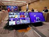Премьер-министр Вьетнама Нгуен Суан Фук на саммите АСЕАН в Ханое, Вьетнам