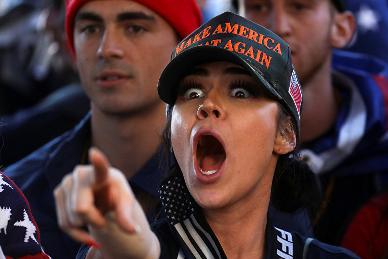 Сторонник президента США Дональда Трампа во время митинга в Вашингтоне