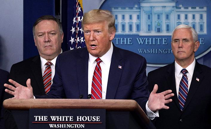 Дональд Трамп, Майк Помпео и Майк Пенс в Белом доме