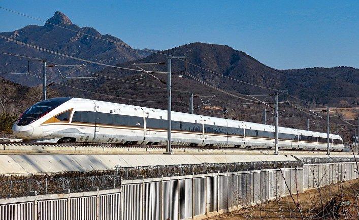 Китайский скоростной поезд CHR-400-B
