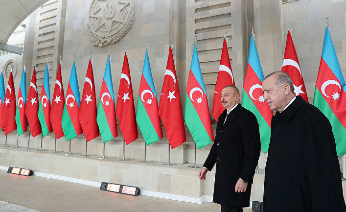 Президент Турции Тайип Эрдоган и президент Азербайджана Ильхам Алиев в Баку, Азербайджан