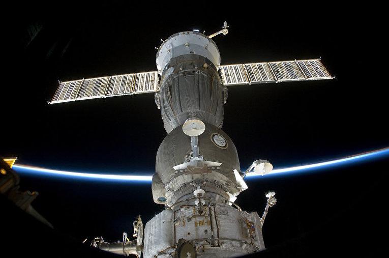 Стыковка корабля «Союз» с МКС