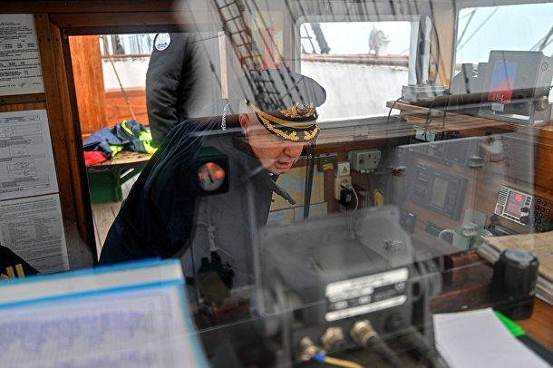 """Экспедиция учебного парусного судна """"Седов"""" по маршруту Северного пути"""