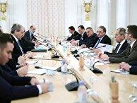 Встреча глав МИД РФ и Сирии С. Лаврова и Ф. Микдада