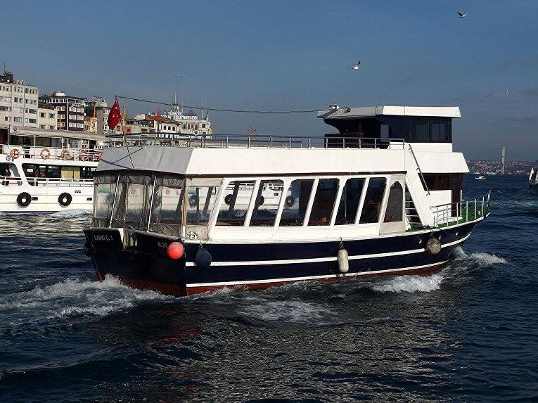 Прогулочный катер по Босфору в Стамбуле